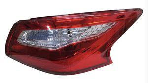 16 17 18 Altima oem pass tail light. for Sale in Selma, CA