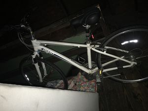 Giant bike (adult) for Sale in Cleveland, OH