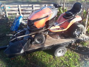 Husqvarna riding lawn mower V-Twin for Sale in San Leon, TX