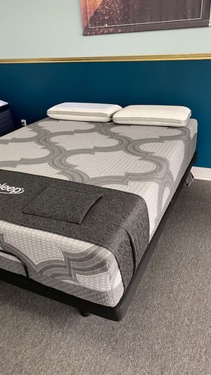 The Best Queen Memory Foam Mattress with Cooling Gel and Luxury Charcoal cover CGM for Sale in Irving, TX