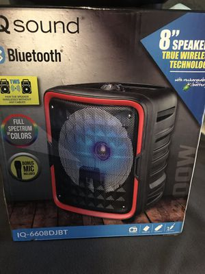 Bluetooth speaker radio fm USB SD card and microphone 🎤 for Sale in Huntington Park, CA