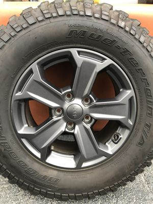 5x5 lug pattern 5 complete wheels, jeep rims, and BFgoodrich tires 255/75/17 for Sale in Pompano Beach, FL