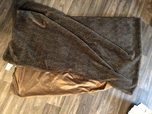 Oversized faux fur throw blanket for Sale in Phoenix, AZ