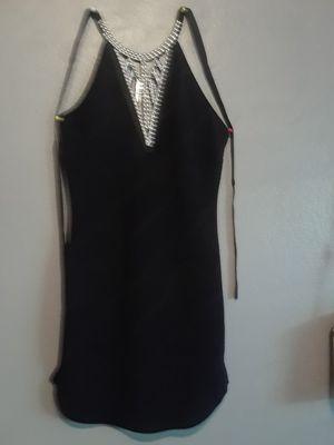 Size M..Para mujer vestido. Seminuevo for Sale in Bloomington, CA