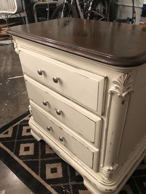 Side table for Sale in Pineville, LA
