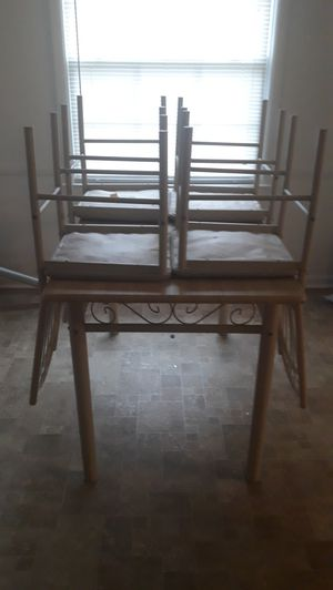 Tan kitchen table/ with 4 chairs for Sale in Lexington, KY