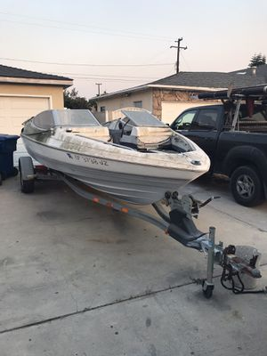 1988 19ft bay liner and trailer for Sale in Huntington Beach, CA