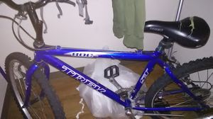 Trek 800 Mountain Bike.... Blue and Black ... In Excellent Shape... Rides like New.. for Sale in Salt Lake City, UT