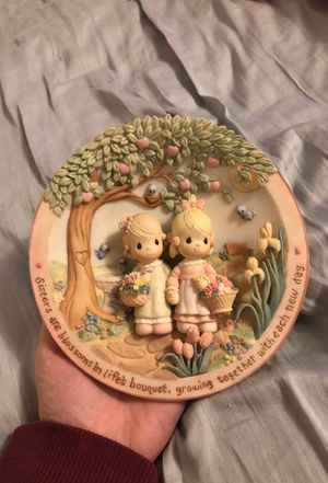 """Precious moments """"Sisters are forever"""" decorative plate for Sale in Marysville, WA"""