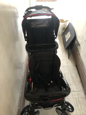 Sit and stand double stroller for Sale in Ambridge, PA