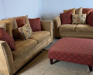 Couch And Loveseat Set w/ Ottoman FREE DELIVERY for Sale in West Chester,  PA