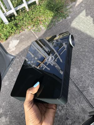 Brand new it comes with a bag DELL M900HD for Sale in Miami, FL