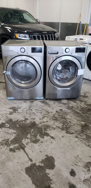 New LG 27in wide washer and gas dryer set for Sale in The Bronx, NY