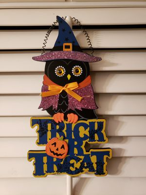 Trick or treat hanging sign for Sale in Gardena, CA