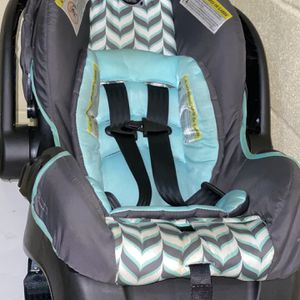 Evenflo Carseat for Sale in Nashville, TN