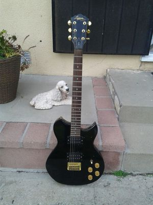 Guitar Lion for Sale in Bell Gardens, CA
