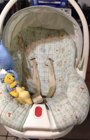Winnie the Pooh car seat for Sale in Norwalk, CA
