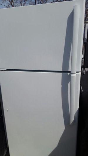 Refrigerator top freezer 5 months warranty for Sale in Alexandria, VA