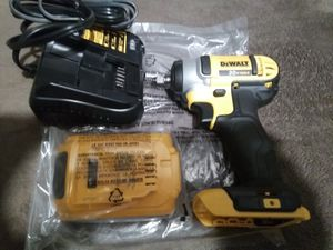 """New DeWalt 20 v Max....3/8""""...... impact wrench set for Sale in Dinuba, CA"""