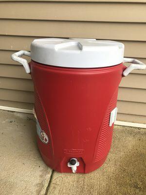 Used Rubbermaid 5 gal water jug cooler for Sale in Murfreesboro, TN