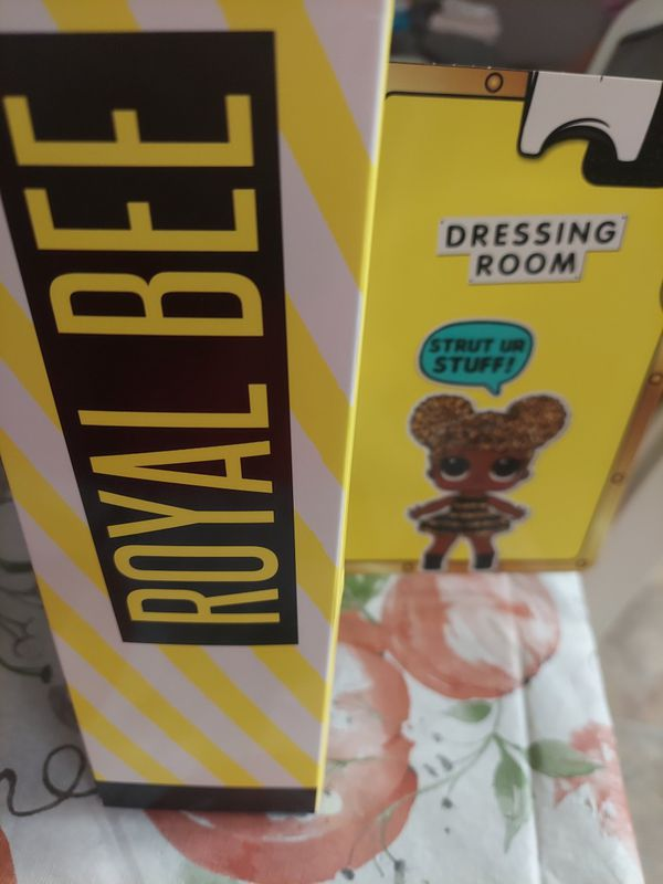 Royal Bee LOL doll