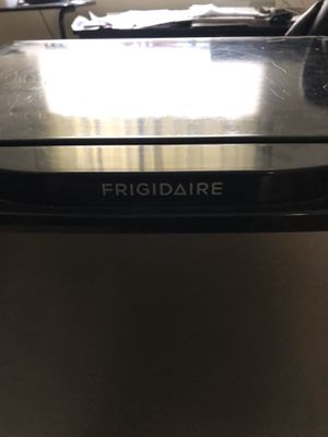 Frigidaire Refrigerator for Sale in Oakland, CA