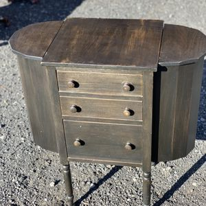 Antique Martha Washington Sewing Table for Sale in Prineville, OR