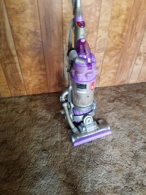 Dyson animal ball vacuum with wand for Sale in Glendale, AZ