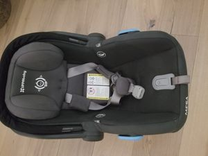 Uppababy mesa car seat and base for Sale in San Diego, CA