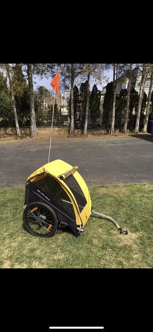 Burley Bee double seat bike trailer for Sale in UPPR MARLBORO, MD