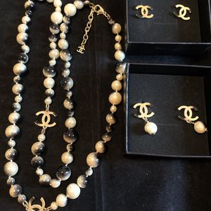 gradient white Pearls And Black Pearls Silver Necklace Set for Sale in Fremont, CA