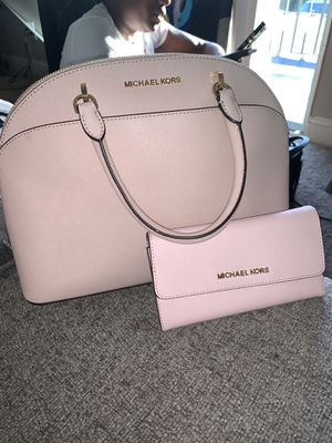 Michael Kors Purse&Wallet for Sale in Sacramento, CA