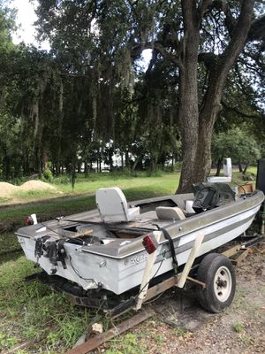 Bass boat for Sale in Tampa, FL