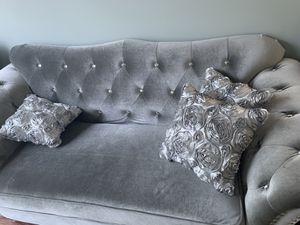 Loveseat couch for Sale in Alpharetta, GA