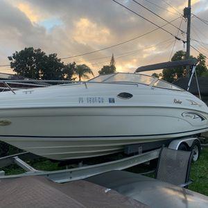 2001 Rinker 23/3 for Sale in Miami, FL