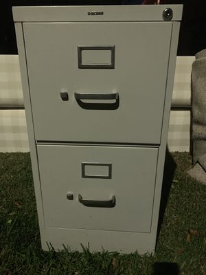 Free Metal 2 drawer file cabinet for Sale in Los Angeles, CA