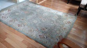 Area rug 5x7 for Sale in Schiller Park, IL