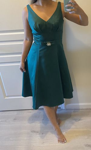 Alfred Angelo formal bridesmaid green dress size 4-6 for Sale in Reston, VA