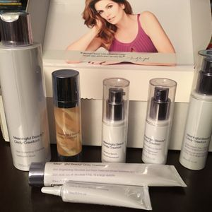 Meaningful Beauty by Cindy Crawford 90 Day supply for Sale in Oak Glen, CA