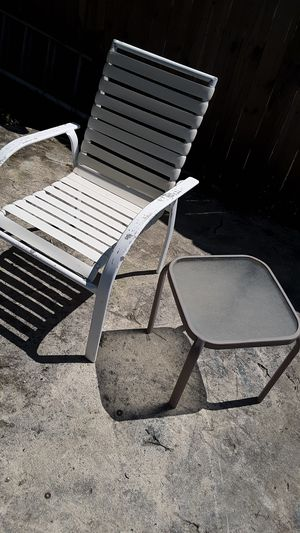 Outdoor chair and side table for Sale in Virginia Beach, VA