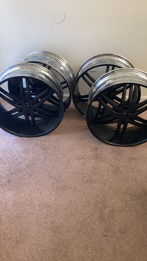 "24"" 6 Lugg Black Sprayed Rims ""No tires"" for Sale in Memphis, TN"