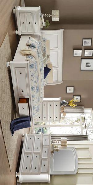 Laurelin White Storage Platform Sleigh Bedroom Set for Sale in Austin, TX