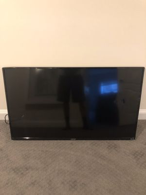 55 inch Element Smart TV. (Cracked screen) for Sale in Forest Heights, MD