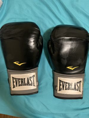 Everlast Boxing Gloves 14.oz for Sale in City of Industry, CA