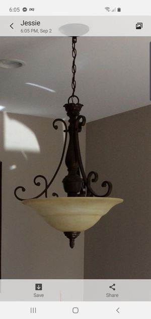 Dining room chandelier light for Sale in Cerritos, CA