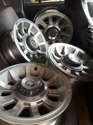 Jeep rims 4 15inch for Sale in Robstown, TX
