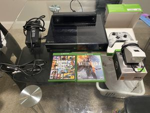 Xbox one 1tb with great extras! for Sale in Houston, TX