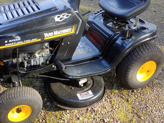 Lightly Used Yard Machines Riding Lawn Mower 38-in Deck Briggs & Stratton Engine for Sale in Hillsboro,  OR