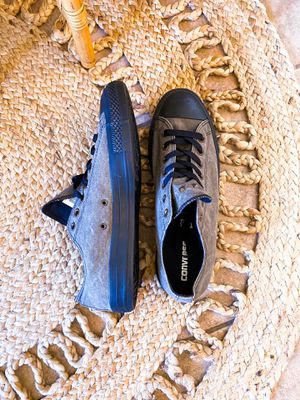 New Unisex Charcoal Heel Stud Converse low size 11 MENS 13 WOMENS for Sale in Surprise, AZ