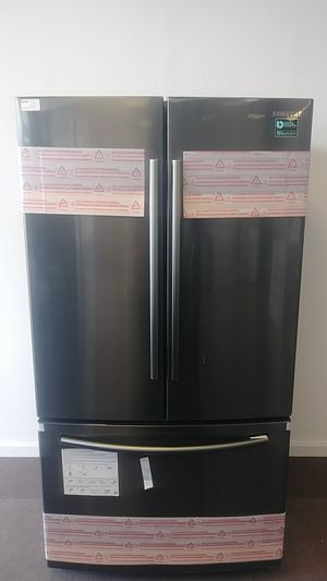 Samsung Black Stainless Steel Refrigerator for Sale in Fairview Park, OH